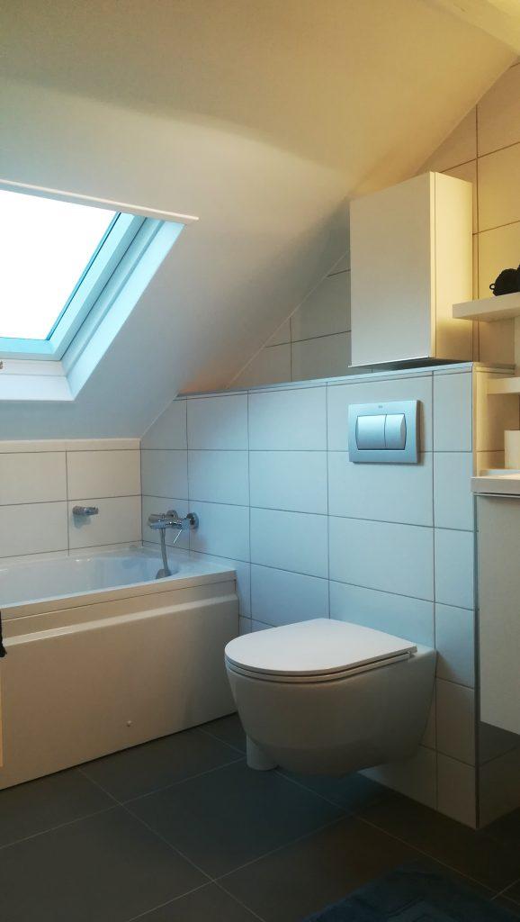 Salle de bains à Reims, WC suspendus et coffrage
